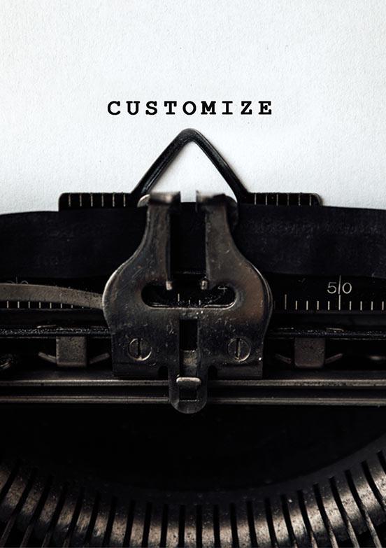 alte Schreibmaschine tippt den Schriftzug Customize