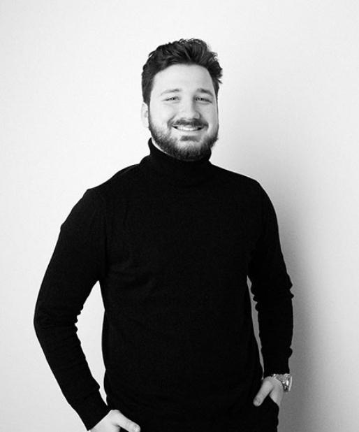 Lucas Herrmann, verantwortlich für Marketing & Sales bei CUSTOMIZE mediahouse GmbH
